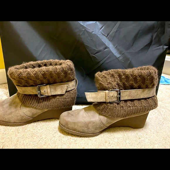 New brown short boots